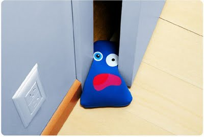 creative_door_stoppers_01
