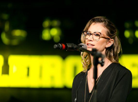 Amanda Reitenbach, durante a cerimônia de premiação do Concurso Brasileiro da Cerveja, primeira e única competição mundial sob a liderança de mulheres. Crédito: Daniel Zimmermann